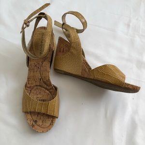 Bandolino Wedge Sandals